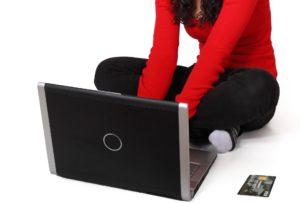 Le Dropshipping est idéal pour les débutants voulant se lancer dans l'e-commerce.