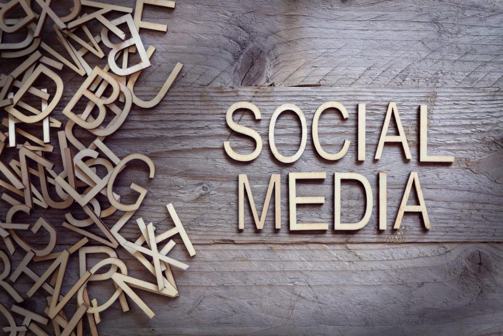 Réseaux sociaux trafic e-commerce